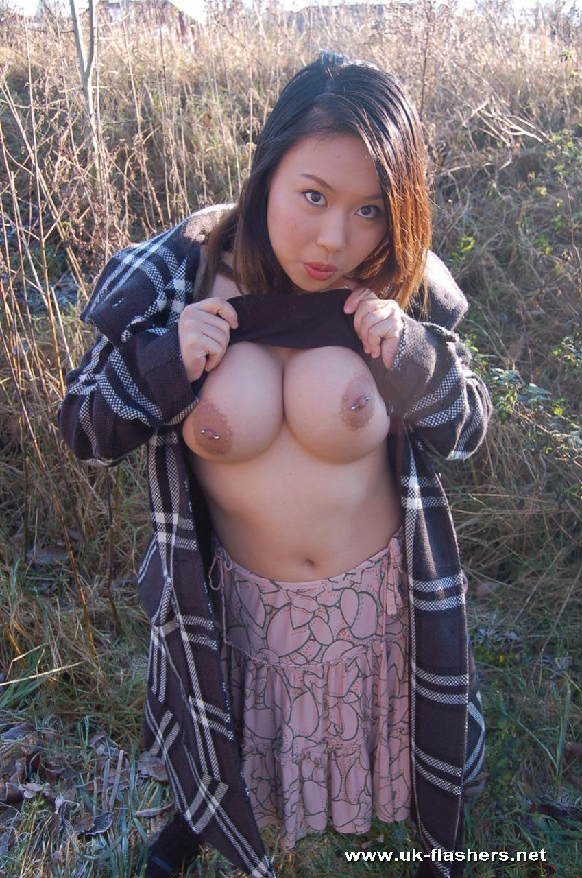 Japanese bustg flash tits