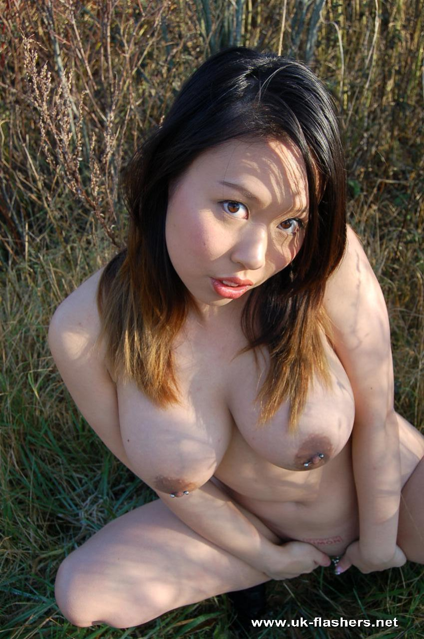 Tigerr Juggs Nude Outdoors